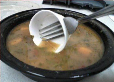И вилкой можно суп есть!
